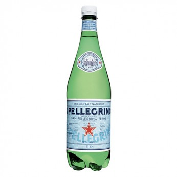 Eau minérale naturelle avec adjonction de gaz San Pellegrino