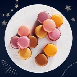 18 macarons festifs