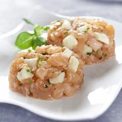 Tartare de saumon mariné aux noix de Saint-Jacques