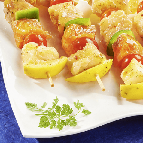 Brochettes marinées au thon et au saumon