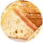 Sandwiches rôti de porc et beurre moutarde à l'ancienne
