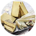 Plateaux de fromages et pains